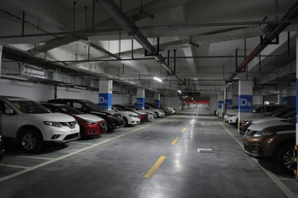 地下停车场环氧地坪的使用寿命年限一般是多久?
